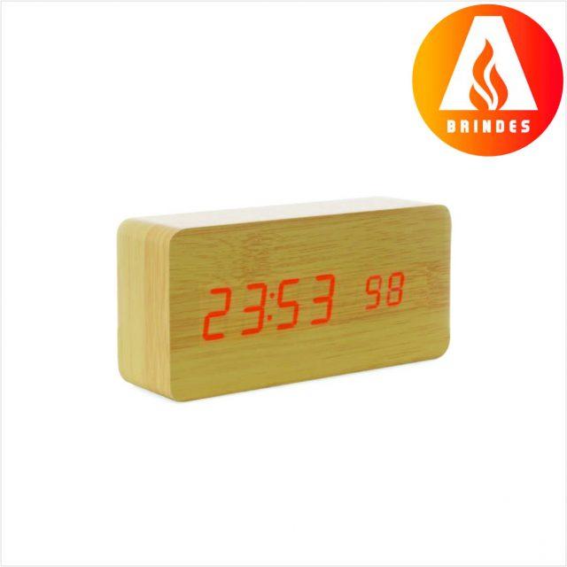 Relógio Madeira com Display LED Personalizado