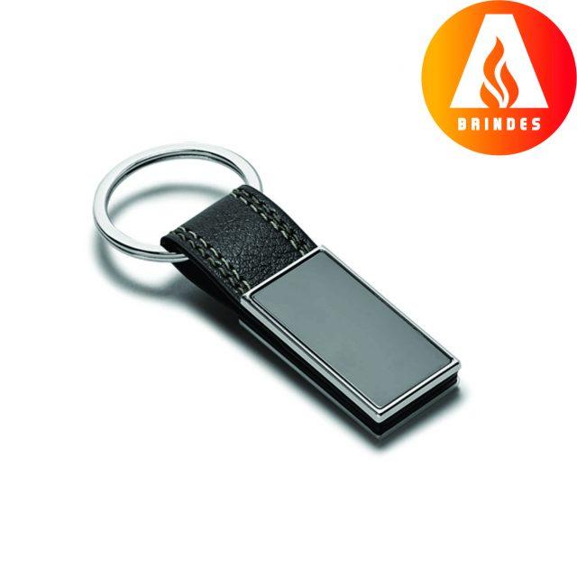 Chaveiro de Metal e Couro S. para personalização